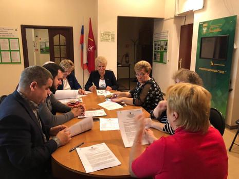 Заседание муниципального совета в МО Пискаревка
