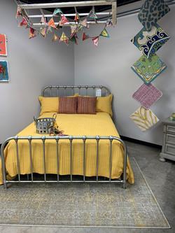 FV Metal Bed Display