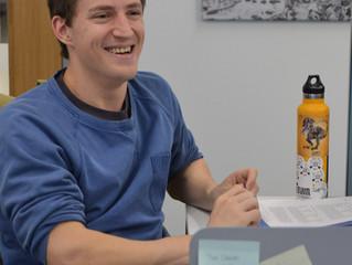 Jonas visits the lab