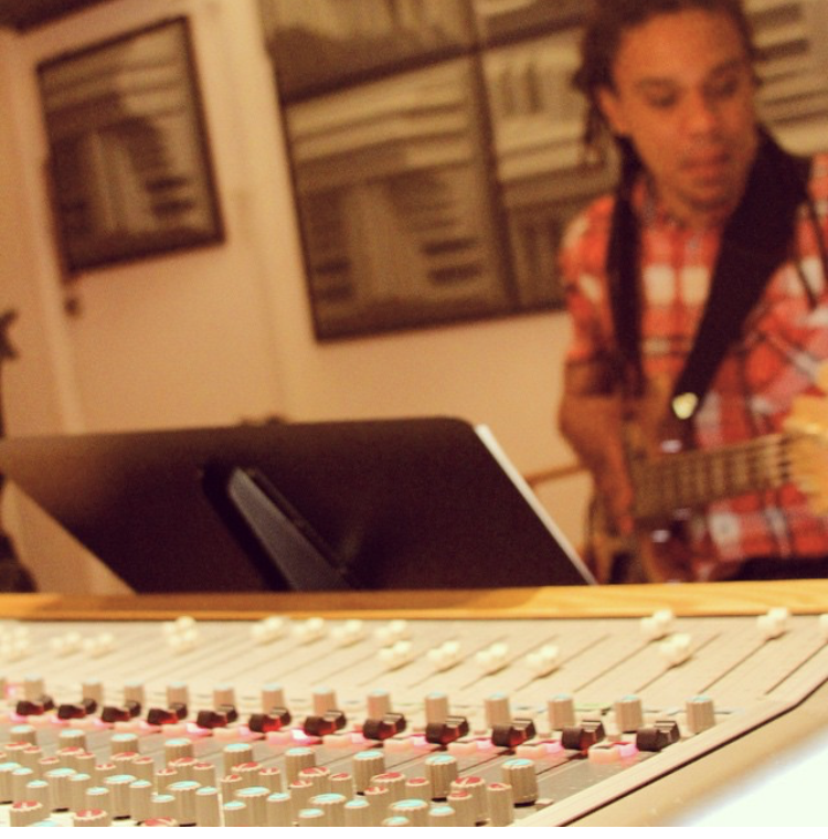 Diogo Brown at the Studio