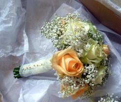 Bridesmaid Rose & Gyp Posy