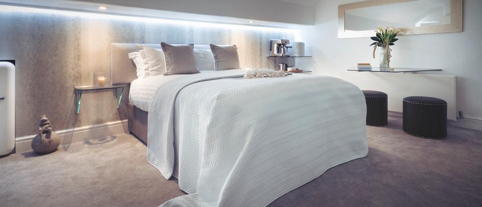 The White Room - Bedroom - 01.jpg