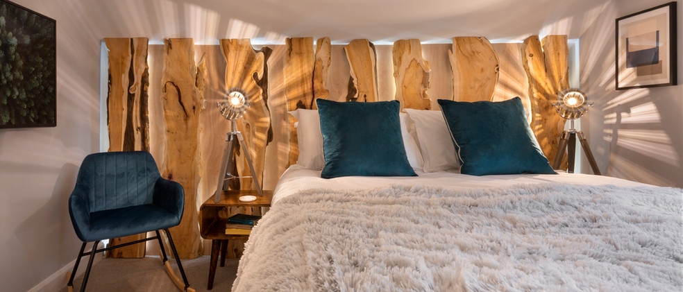 Woodlands - 1st Master Bedroom - 02  copy.jpg