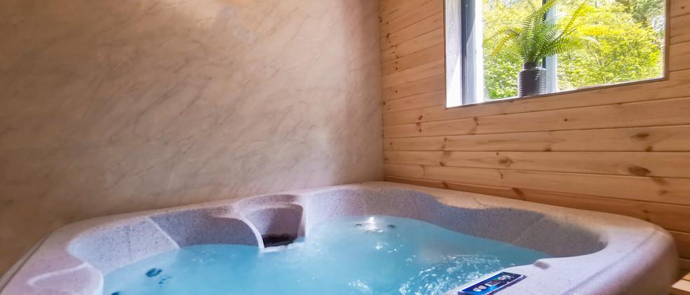 Woodlands Hot tub - 02.jpg