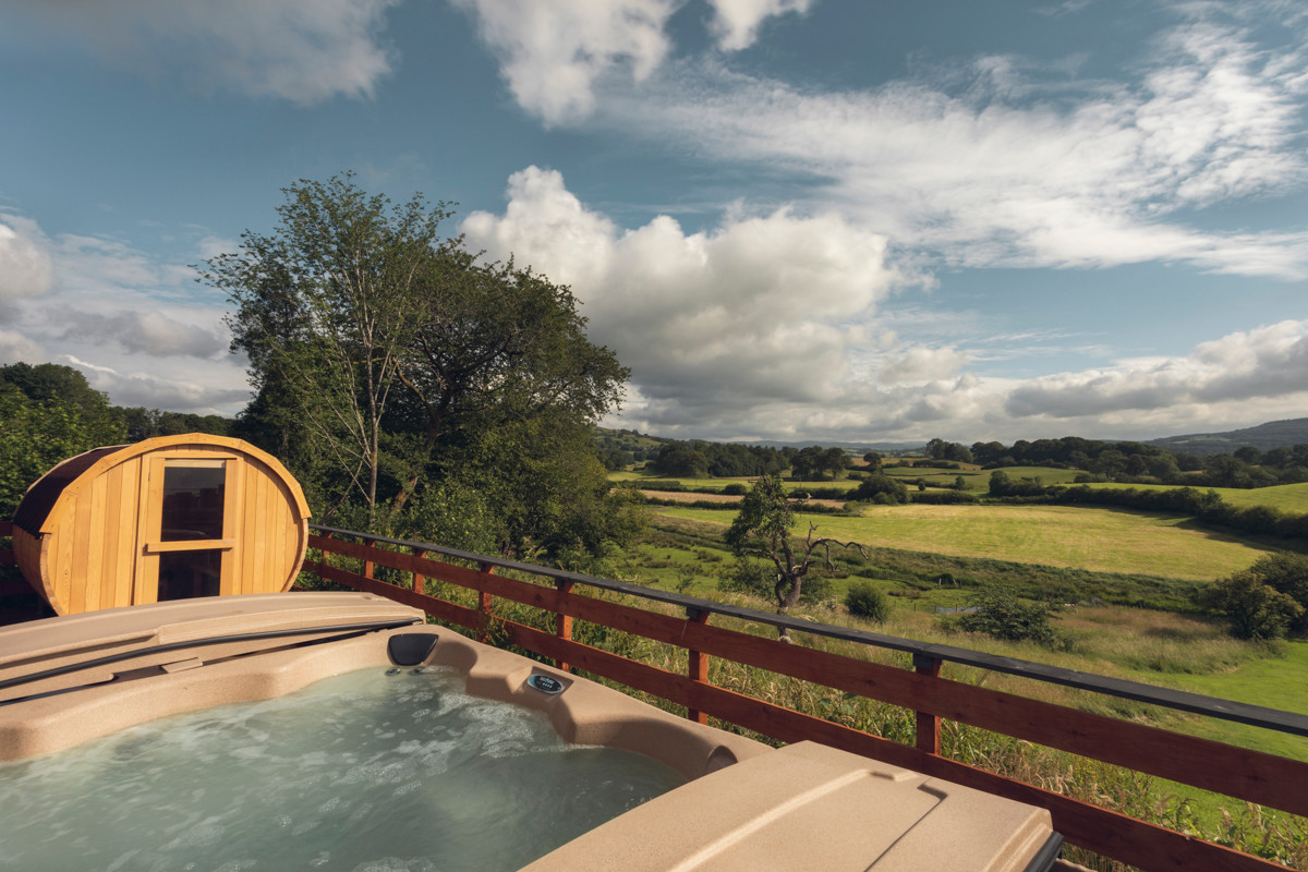 lyth valley hot tub.JPG