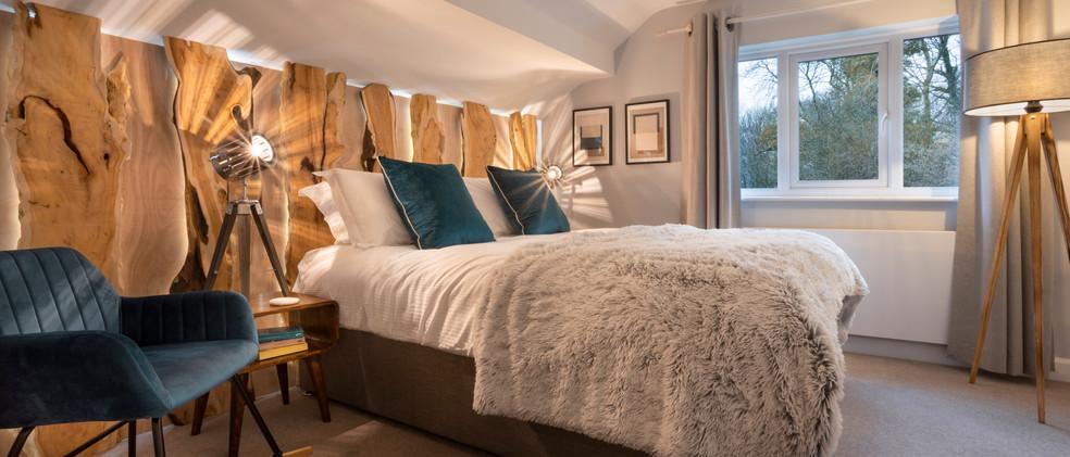 Woodlands - 1st Master Bedroom - 03  copy.jpg