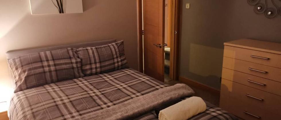 Large modern home bedroom 01.jpg