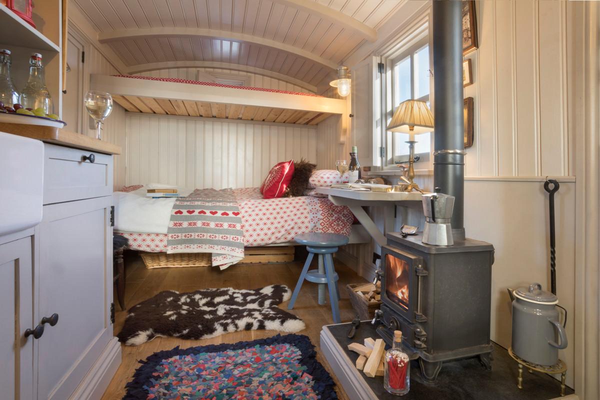 Shepherds Hut - Bed Set Up 01.jpg