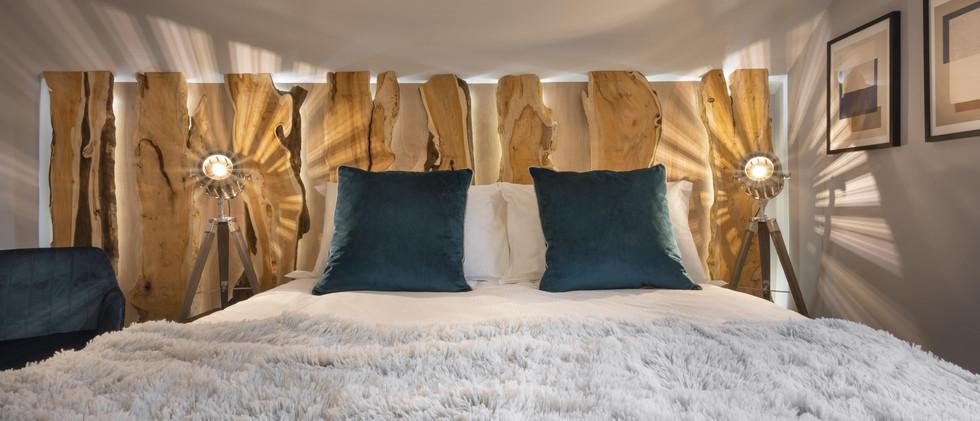 Woodlands - 1st Master Bedroom - 01 -min
