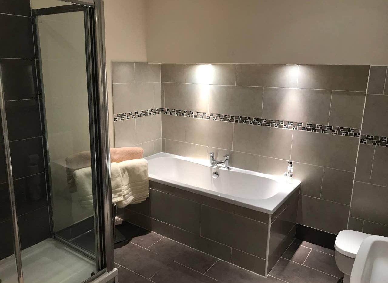 Cosy house bathroom.jpg