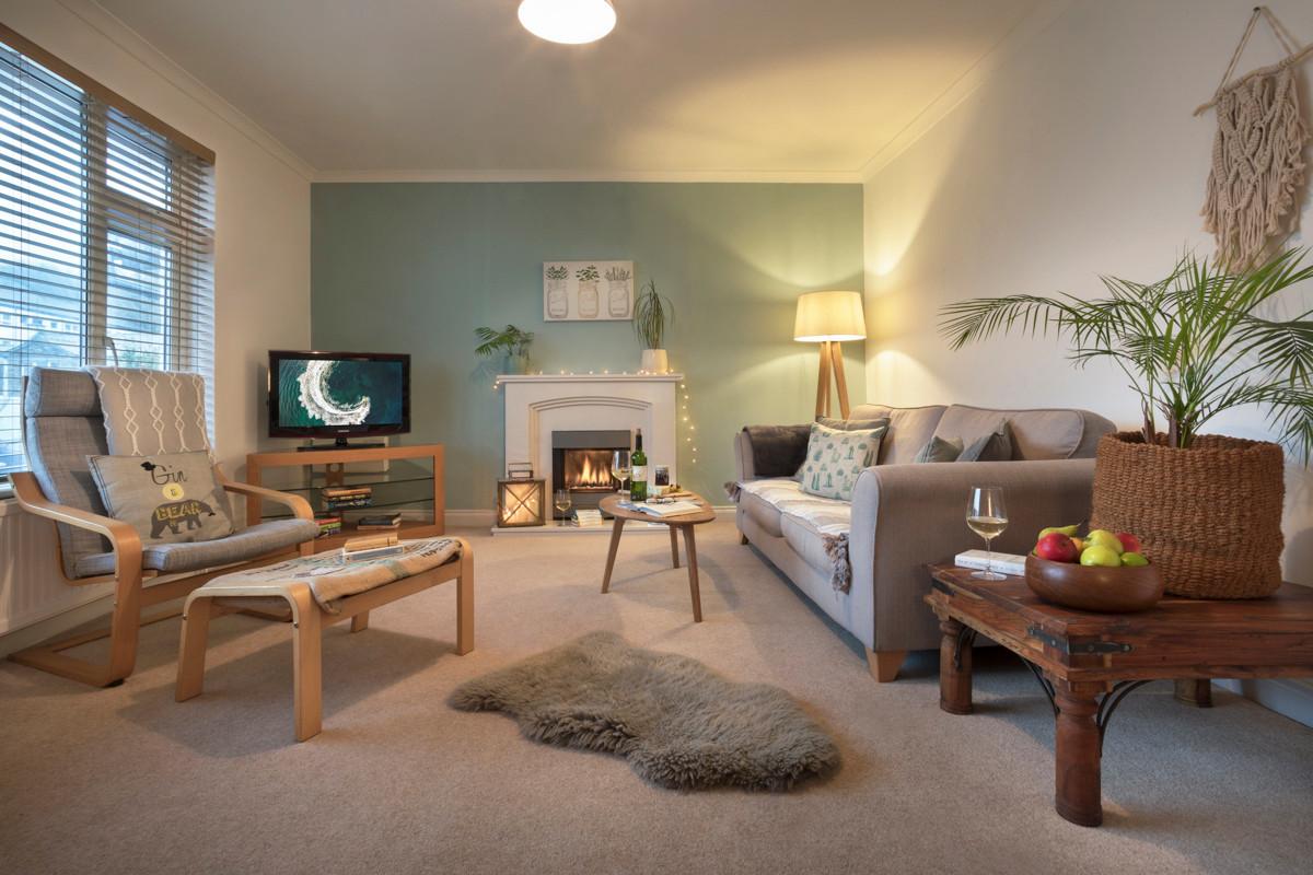 Hill crest - Living Room 02.jpg