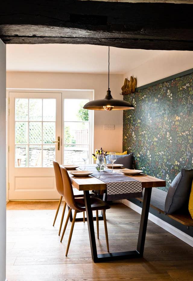 Holborn Cottage dinning.jpg
