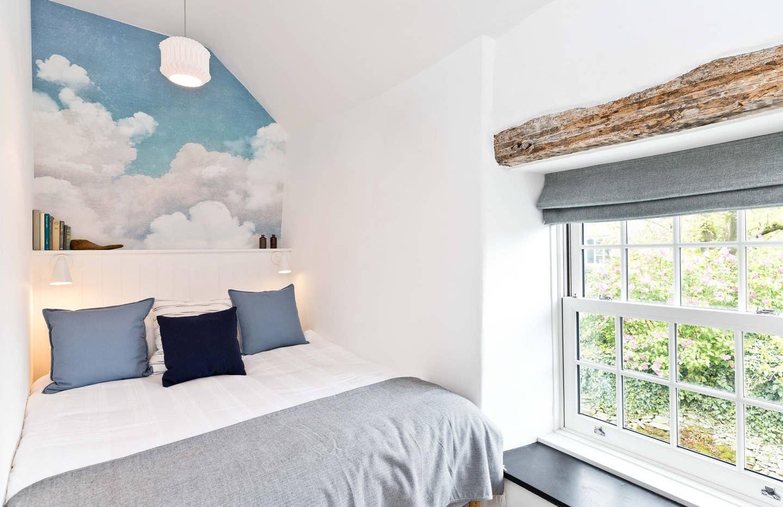 Holborn Cottage bedroom 01.jpg