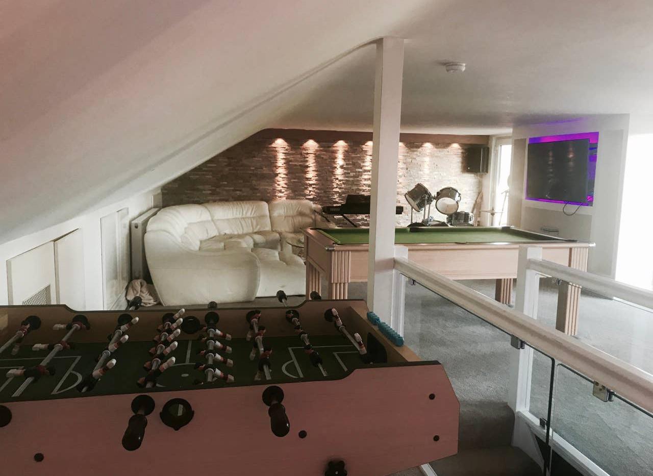 GRACEWAY lounge 01.jpg