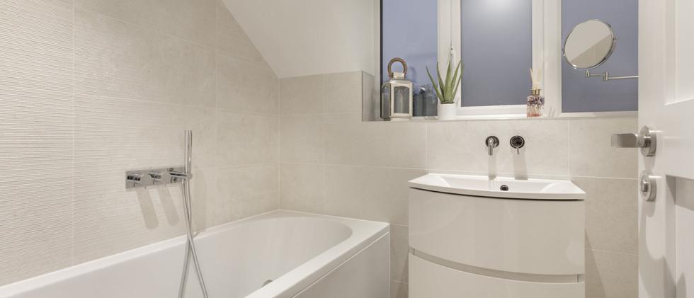 Woodlands - Bathroom - 01  copy-min.jpg