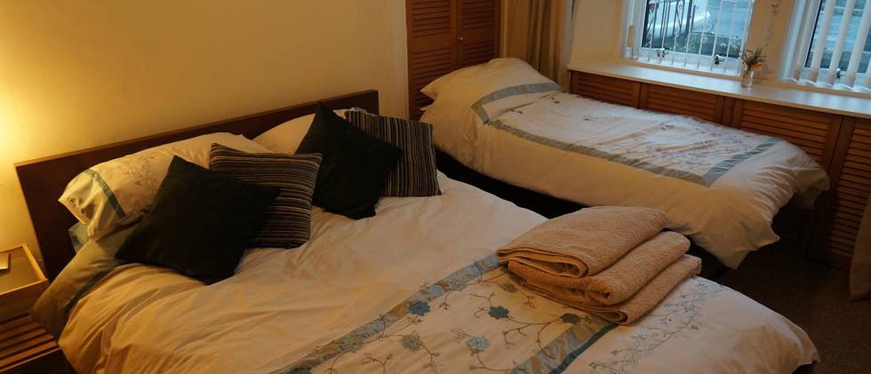 Dale Cottage bedroom 2.jpg