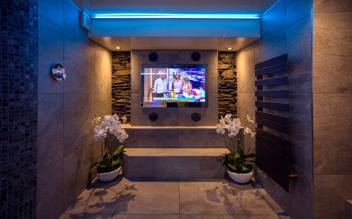The Bowness Spa Suite - Spa 02.jpg