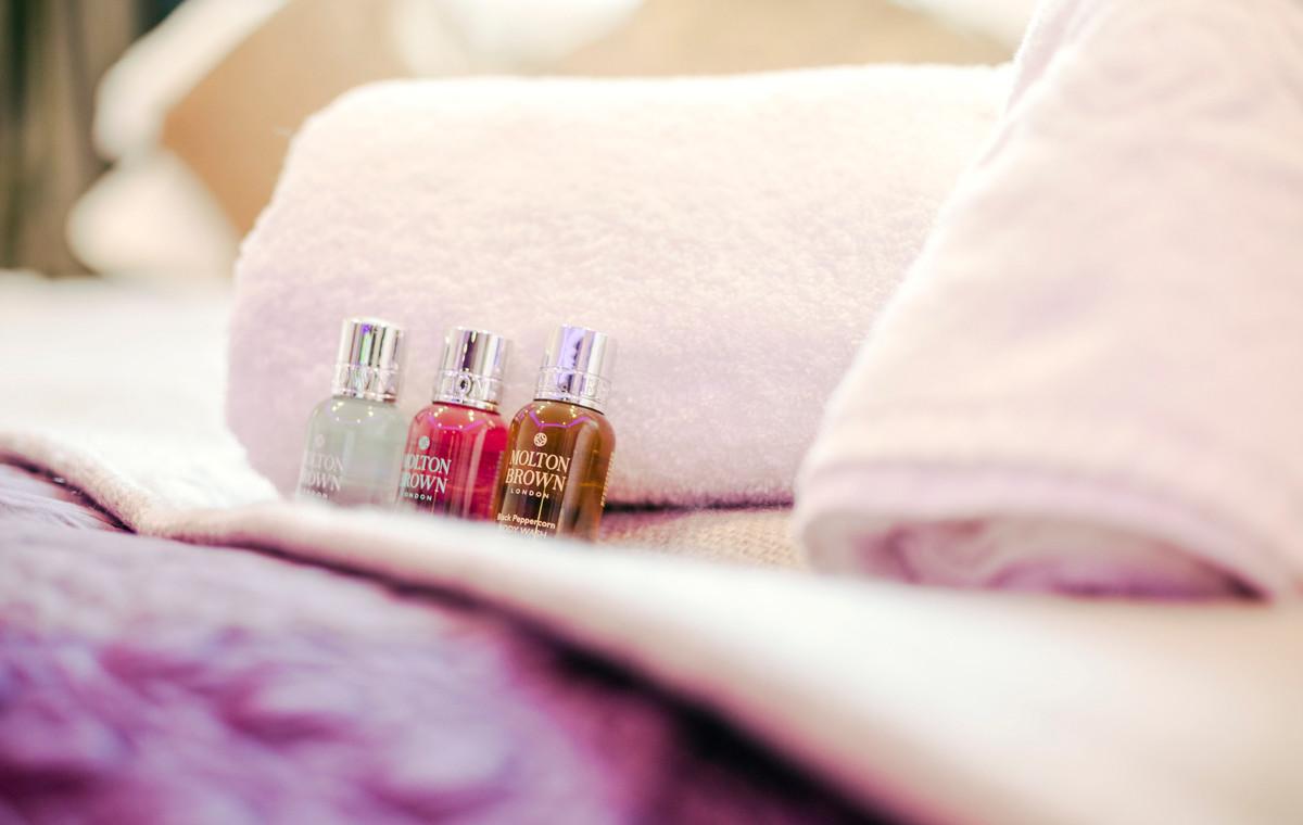 The Windermere Spa Suite - Bedroom 04.jpg