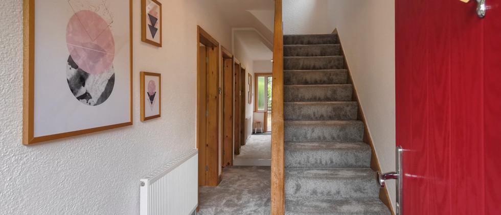 18 Ellethwaite - Hallway copy.JPG
