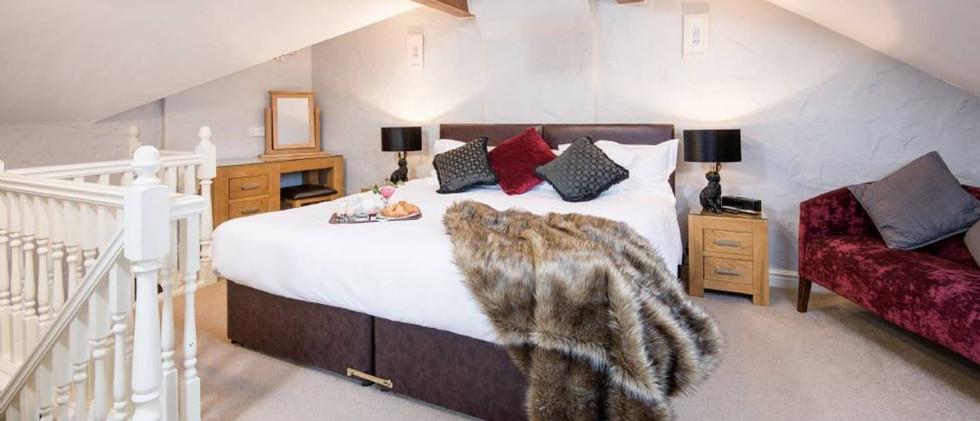 Gill Cottage bedroom01.jpg