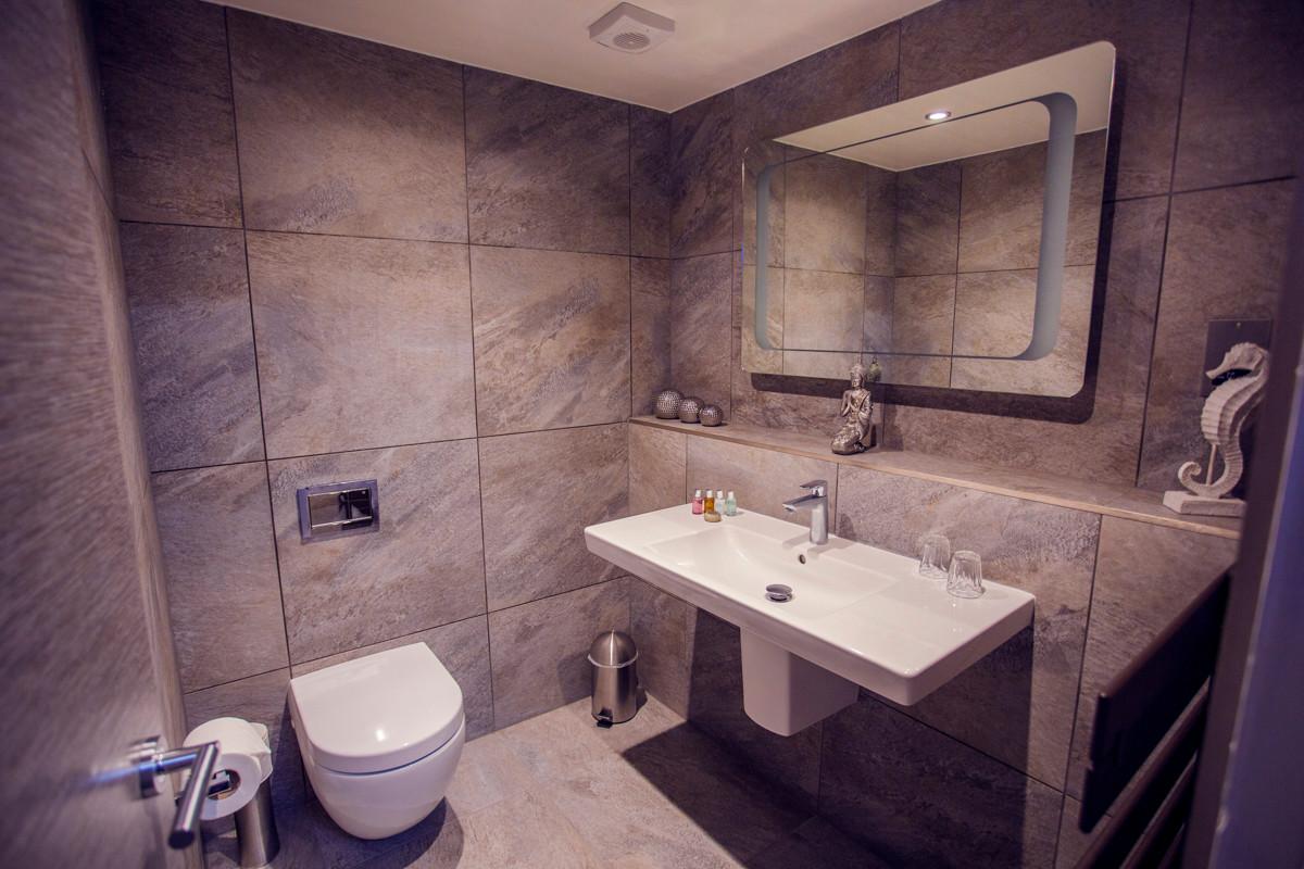 The Windermere Spa Suite - W.C.jpg
