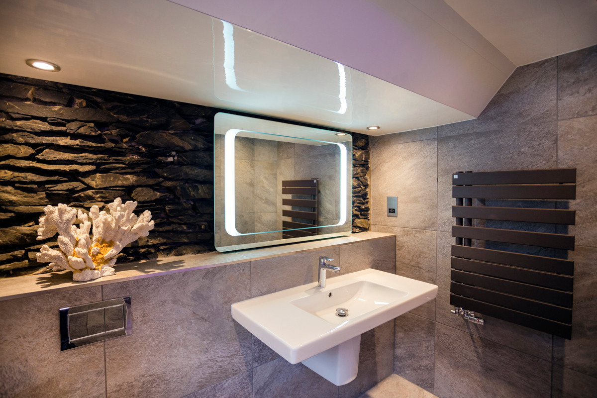 The Bowness Spa Suite - W.C.jpg