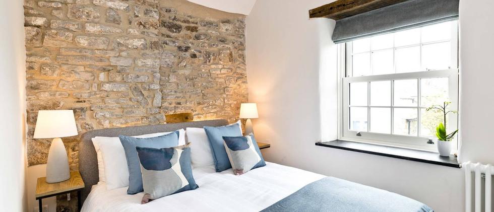 Holborn Cottage bedroom.jpg
