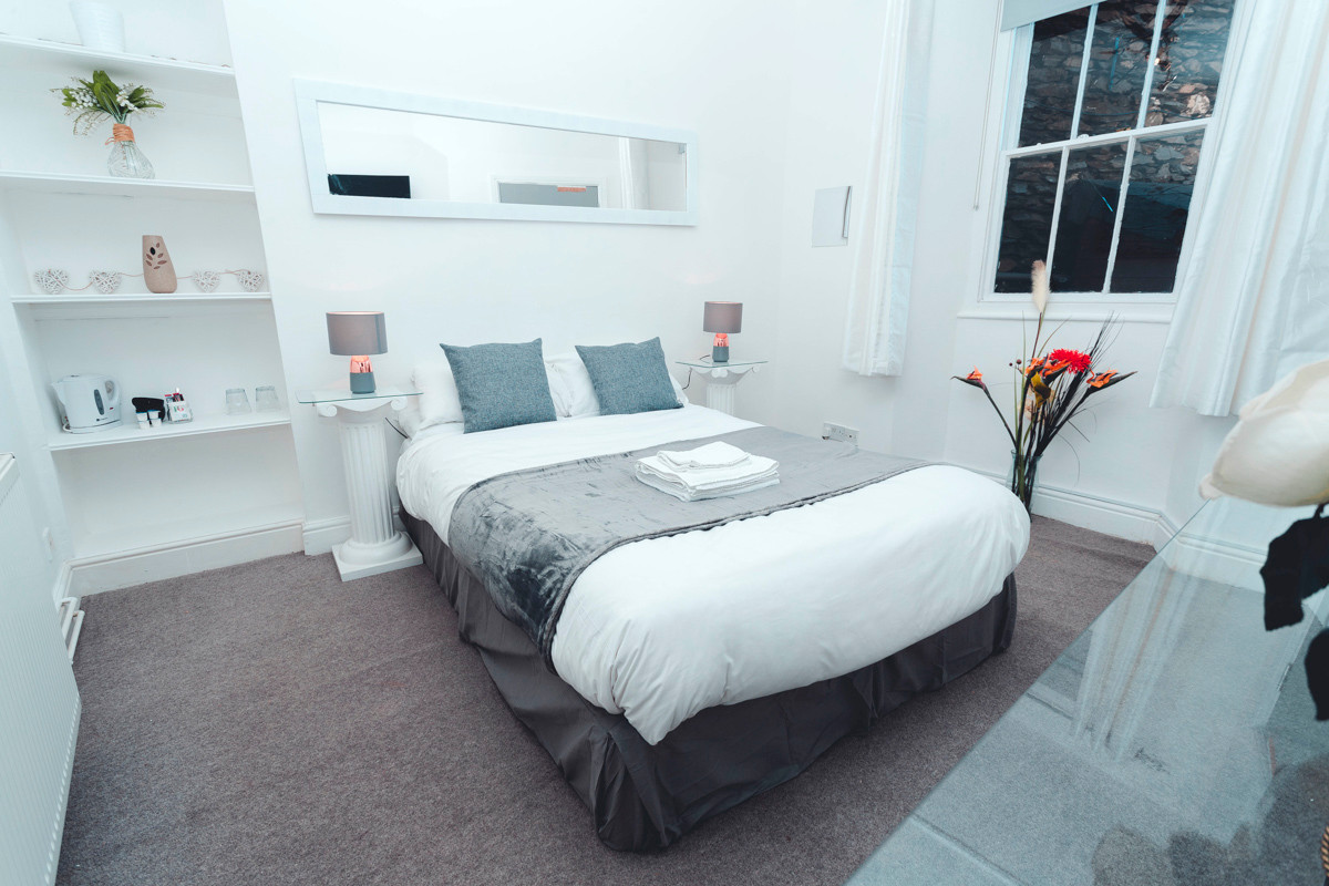 Windermere Guest House Room 6 - Bedroom