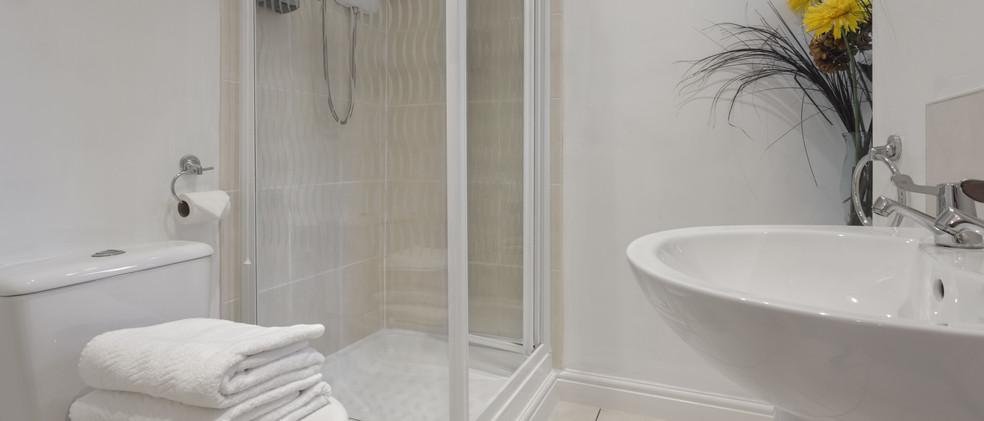 WGH 4.bathroom-min.jpg