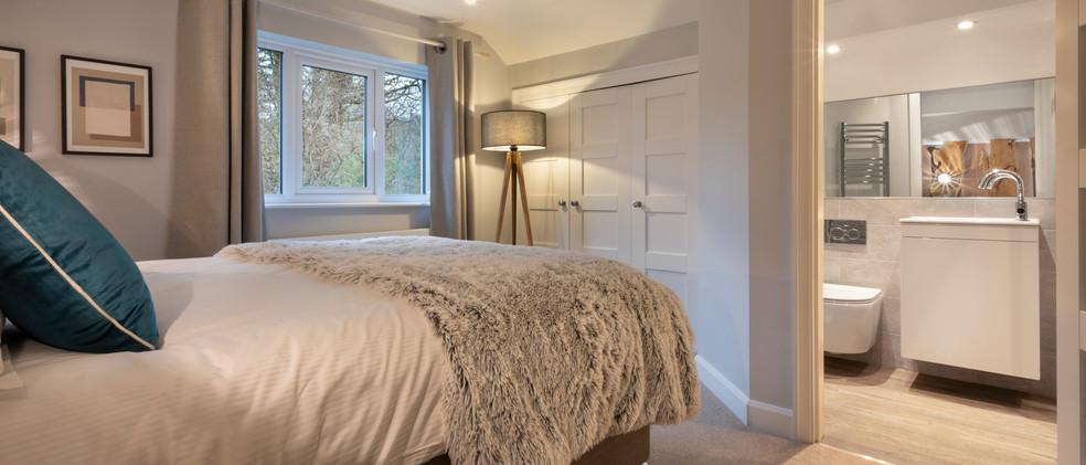 Woodlands - 1st Master Bedroom - 06  copy.jpg