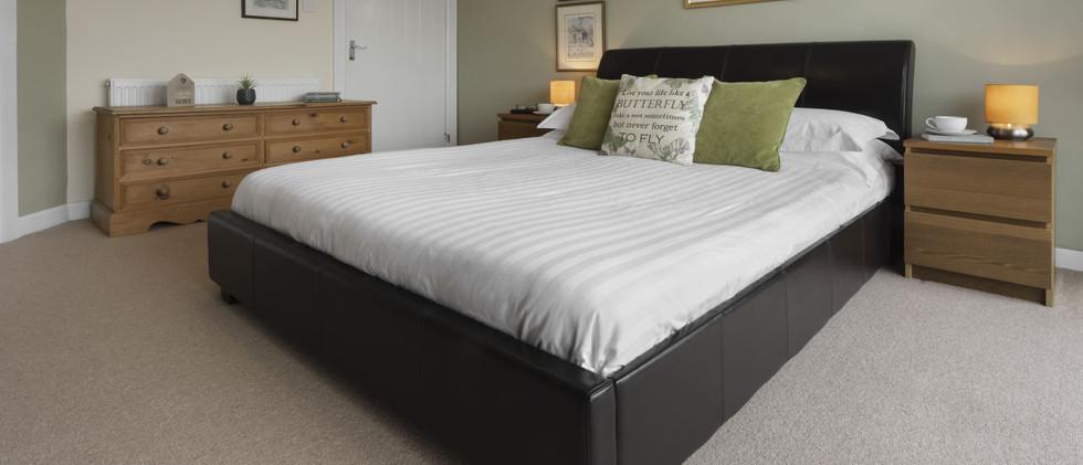 Waterside bedroom 2.bc-min.jpg
