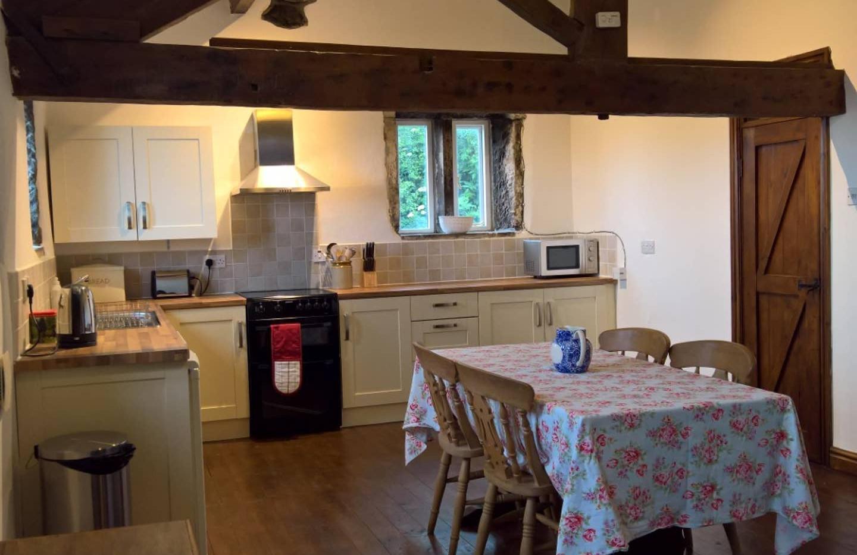 Hilltop kitchen.jpg