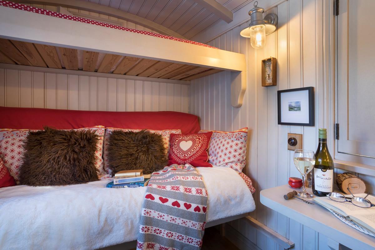 Shepherds Hut - Living Space 10.jpg