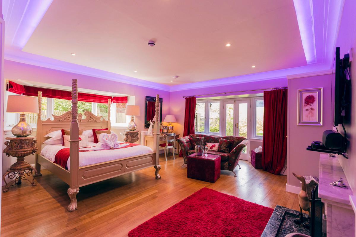 Red Rose - Bedroom 08.jpg