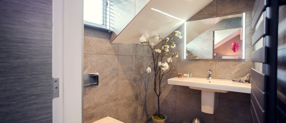 The Lake District Spa Suite - W.C 01.jpg