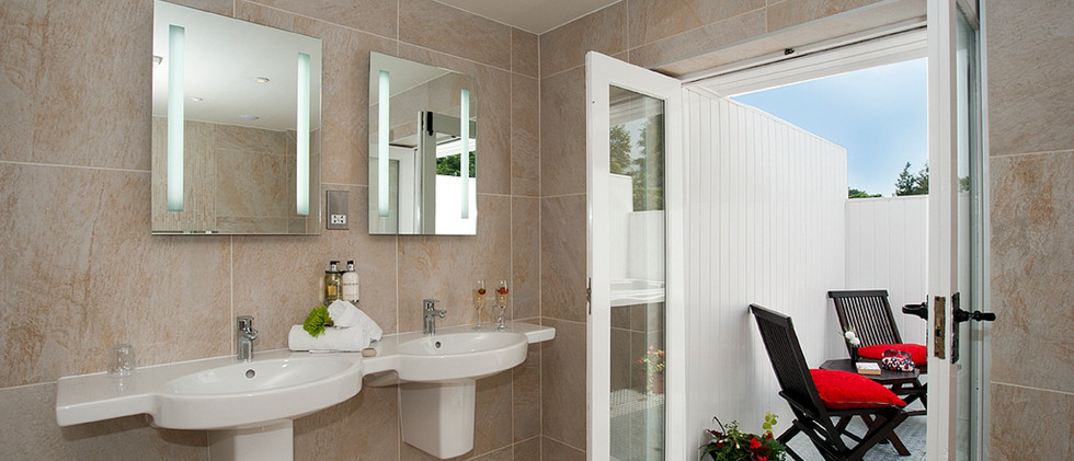Iris - Bathroom 02.jpg