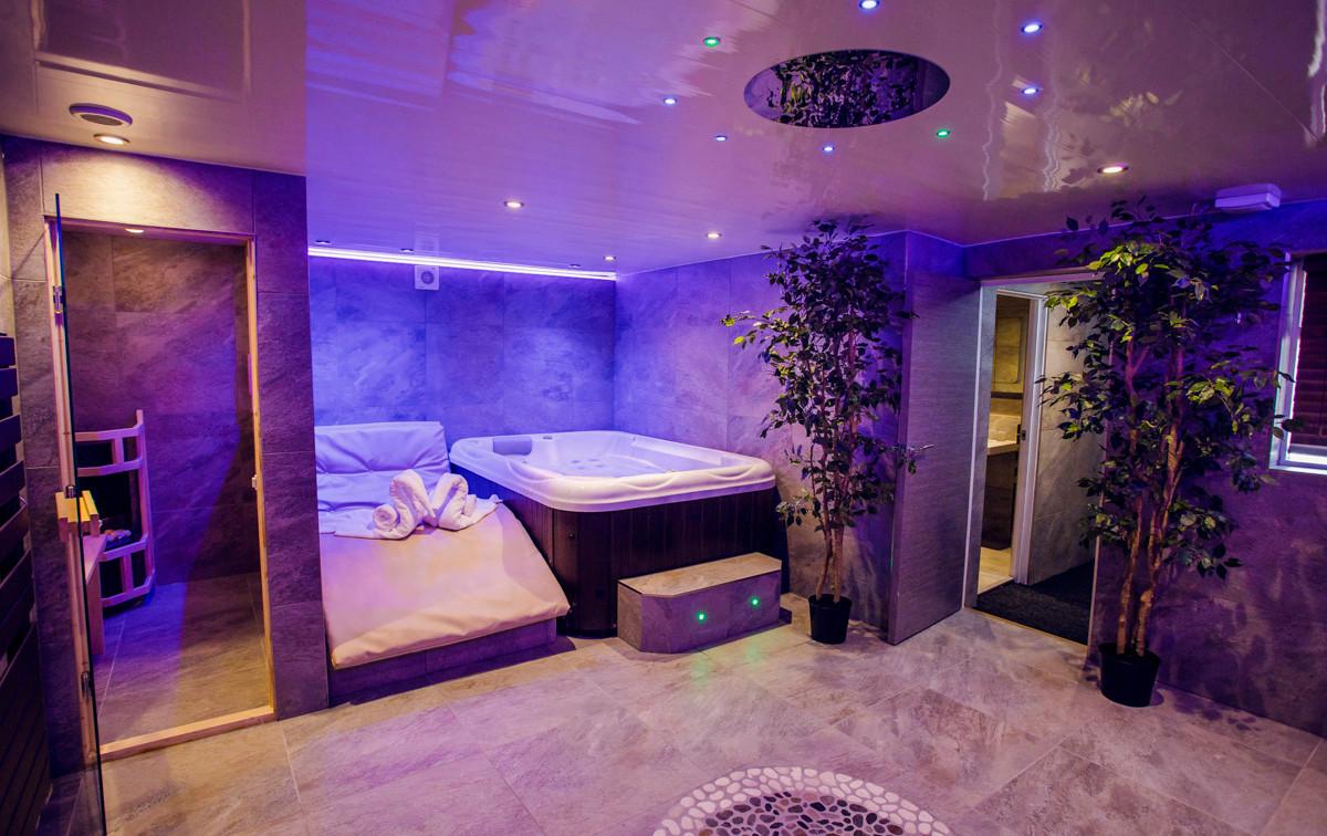 The Windermere Spa Suite - Spa 05.jpg