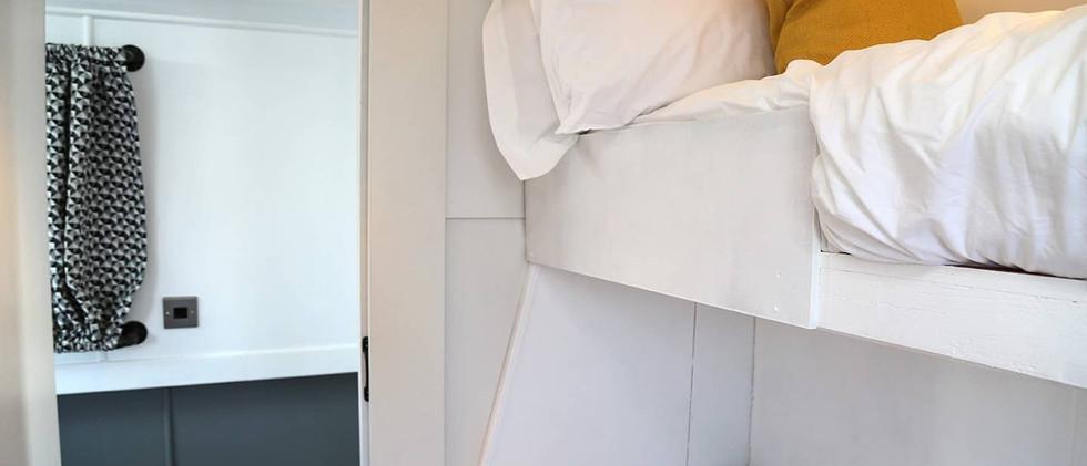 Liverpool Marina bedroom 02.jpg
