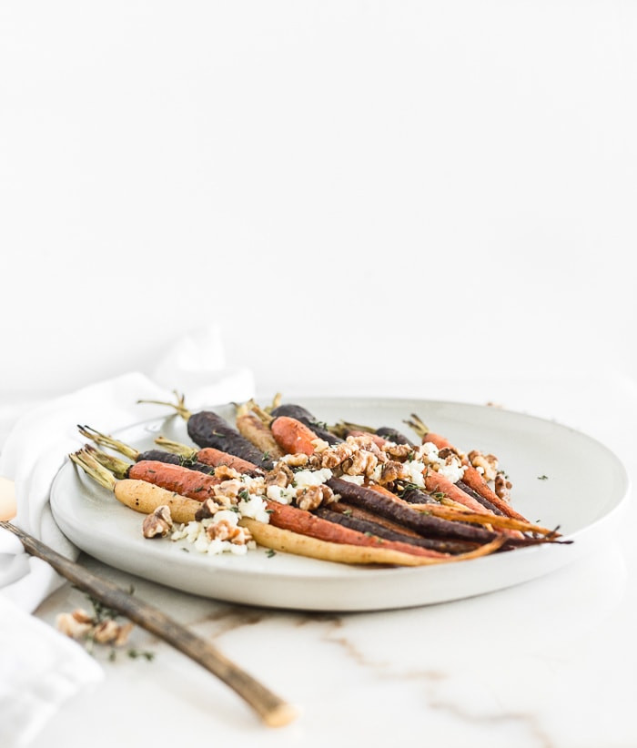 Baked carrots with goats cheese and walnuts