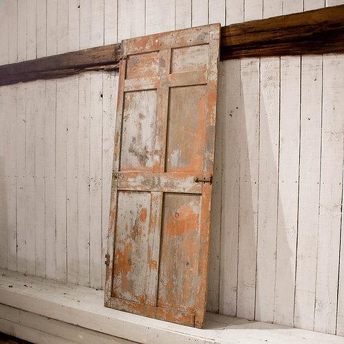Porte à panneaux creux