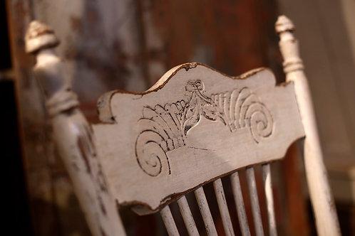 -Chaise pressback blanche