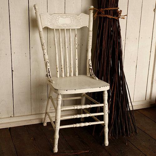 chaise pressback blanche vendu-sold
