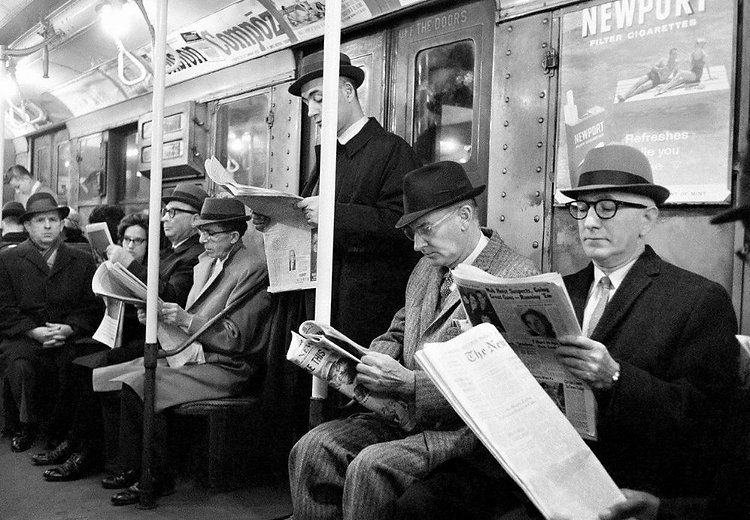 people-reading-newspapers-7.jpg