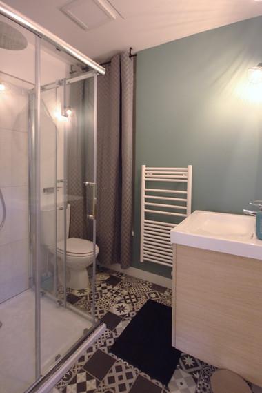salle de bain carreaux de ciment