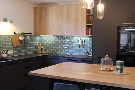 cuisine zelige noir mat vert bois 76460 saint valéry en caux architecture d'intérieur