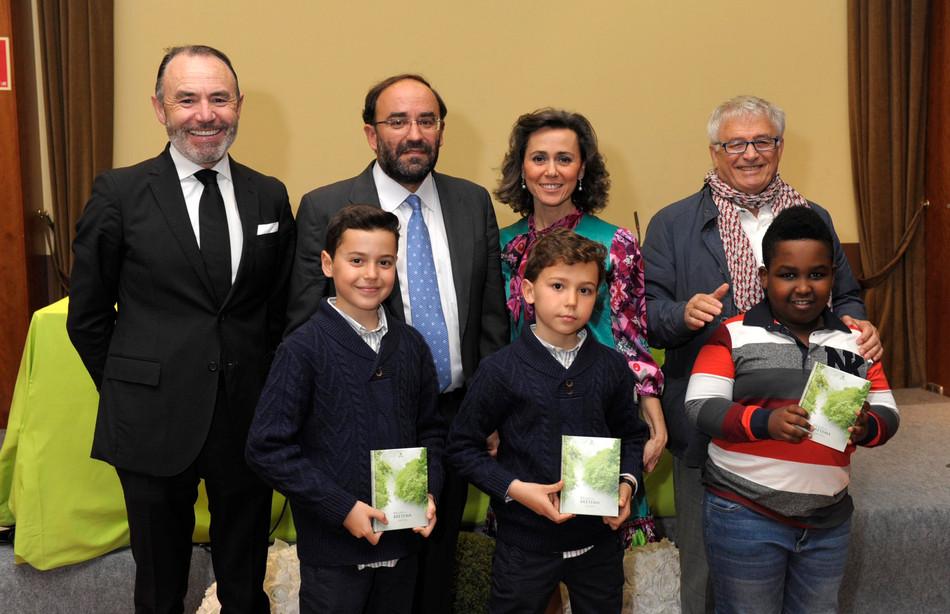El presidente de honor de la Fundación Araguaney-Puente de Culturas, Ghaleb Jaber Ibrahim, ilustra c