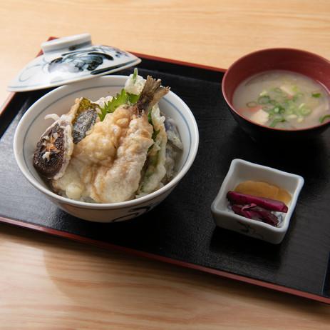 あまご天ぷら丼