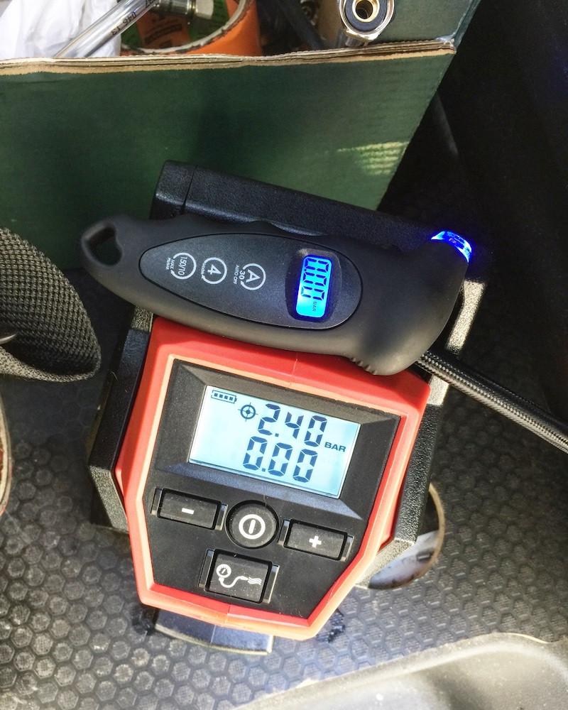 Gonfleur électrique et manomètre digital