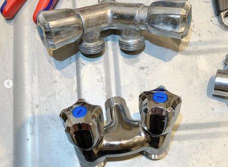 Remplacement de vanne pour électroménager lave-linge et lave-vaisselle