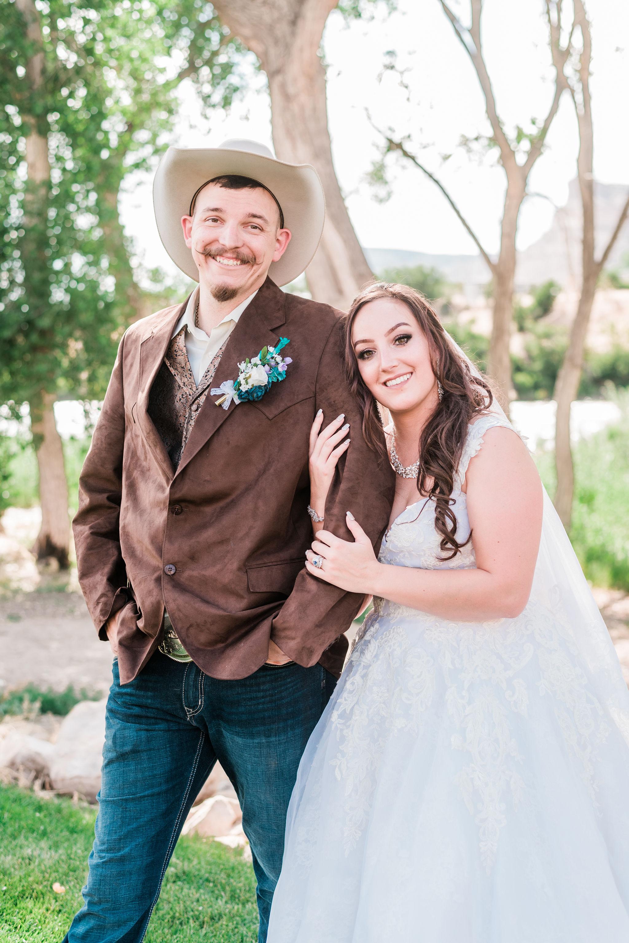 Jason-Sadie-orachrd-river-view-wedding